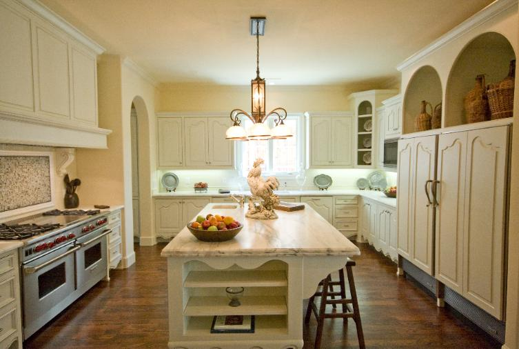 4361 Livingston Kitchen-753x