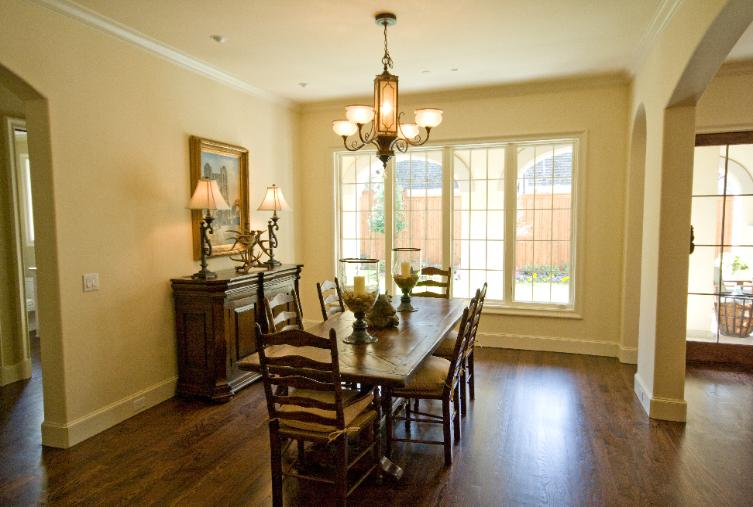4361 Livingston Breakfast Room-753x
